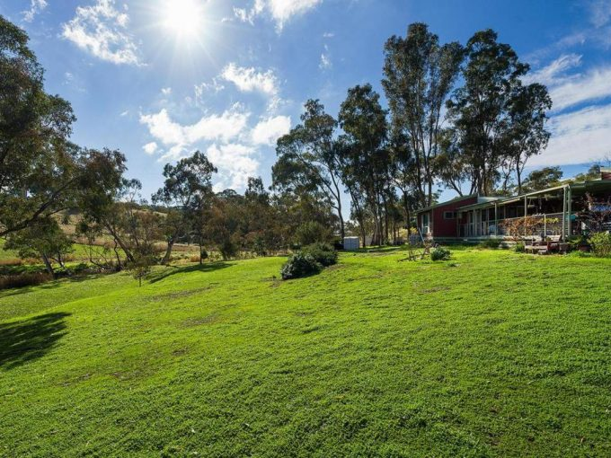 Serenity, Tranquility – this rural property has it all!