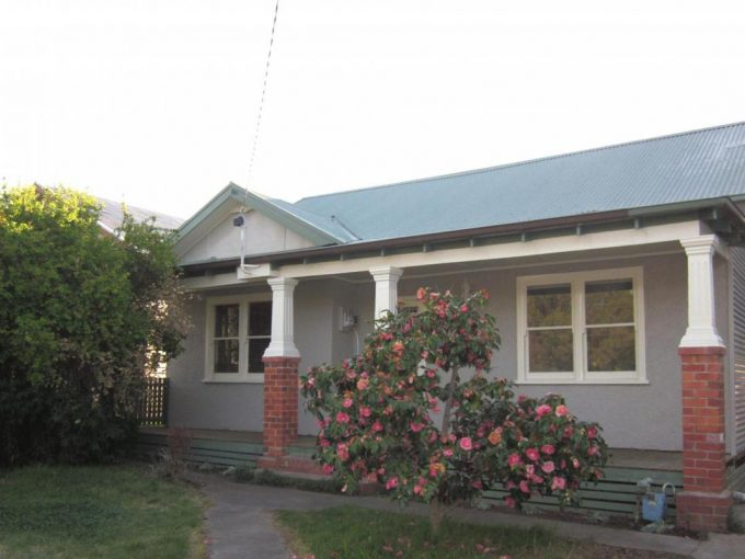 Classic Cottage on the CBD fringe